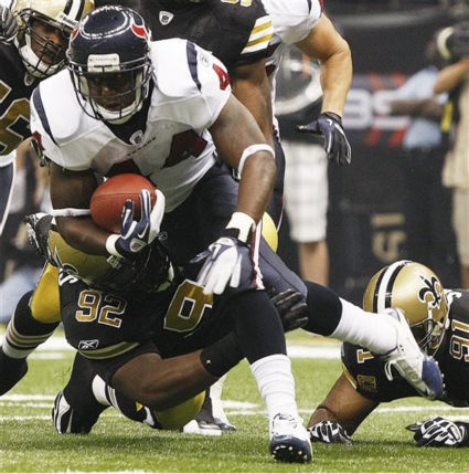 "<div class=""meta ""><span class=""caption-text "">Houston Texans running back Ben Tate (44) runs as New Orleans Saints defensive tackle Shaun Rogers (92) pursues during the first half of an NFL football game on Sunday, Sept. 25, 2011, in New Orleans. (AP Photo/Mike Stewart) (AP Photo/ Mike Stewart)</span></div>"