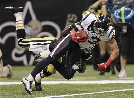 "<div class=""meta ""><span class=""caption-text "">Houston Texans wide receiver Kevin Walter (83) falls into the end zone for a touchdown as New Orleans Saints free safety Malcolm Jenkins brings him doiwn during the second half of an NFL football game, Sunday, Sept. 25, 2011, in New Orleans. (AP Photo/Gerald Herbert) (AP Photo/ Gerald Herbert)</span></div>"
