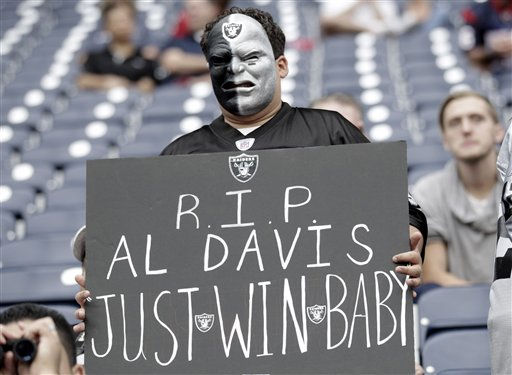 "<div class=""meta image-caption""><div class=""origin-logo origin-image ""><span></span></div><span class=""caption-text"">An Oakland Raiders fan before an NFL football game Houston Texans Sunday, Oct. 9, 2011, in Houston. (AP Photo/Gerald Herbert) (AP Photo/ Gerald Herbert)</span></div>"