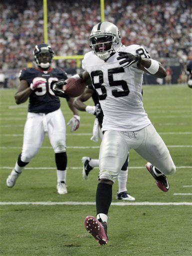 "<div class=""meta image-caption""><div class=""origin-logo origin-image ""><span></span></div><span class=""caption-text"">Oakland Raiders wide receiver Darrius Heyward-Bey (85) scores a touchdown in the second quarter of an NFL football game against the Houston Texans Sunday, Oct. 9, 2011, in Houston. (AP Photo/Gerald Herbert) (AP Photo/ Gerald Herbert)</span></div>"