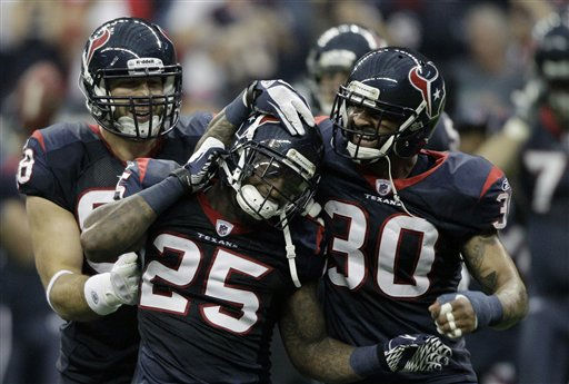 "<div class=""meta ""><span class=""caption-text "">Houston Texans  Kareem Jackson (25),  Jason Allen (30) and  Connor Barwin in the first quarter of an NFL football game against the Atlanta Falcons Sunday, Dec. 4, 2011, in Houston. (AP Photo/David J. Phillip) (AP Photo/ David J. Phillip)</span></div>"