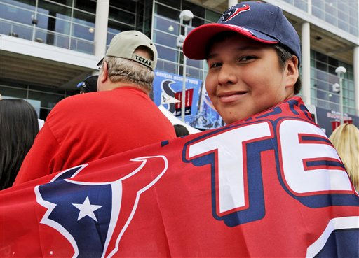 "<div class=""meta ""><span class=""caption-text "">Houston Texans fan Albert Mendez before an NFL football game against the San Francisco 49ers Saturday, Aug. 18, 2012, in Houston.  (AP Photo/ Pat Sullivan)</span></div>"
