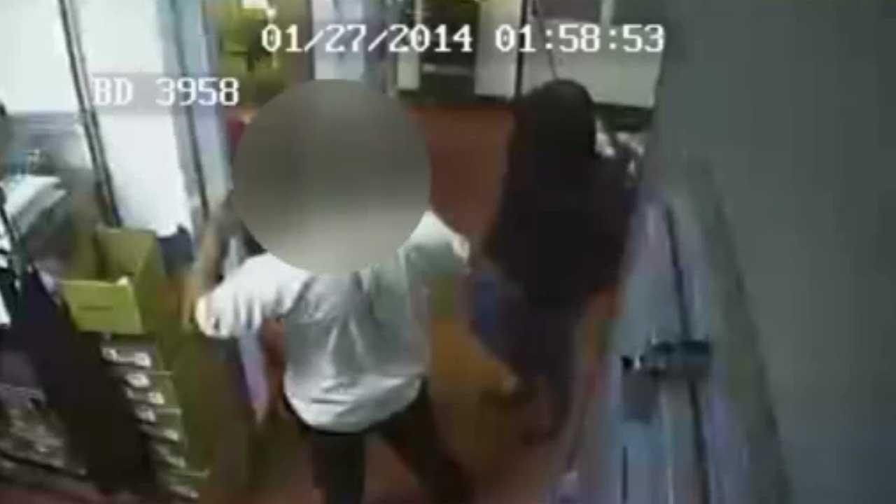 Suspect crawls thru drive-thru to rob Ft. Bend Co. restaurant