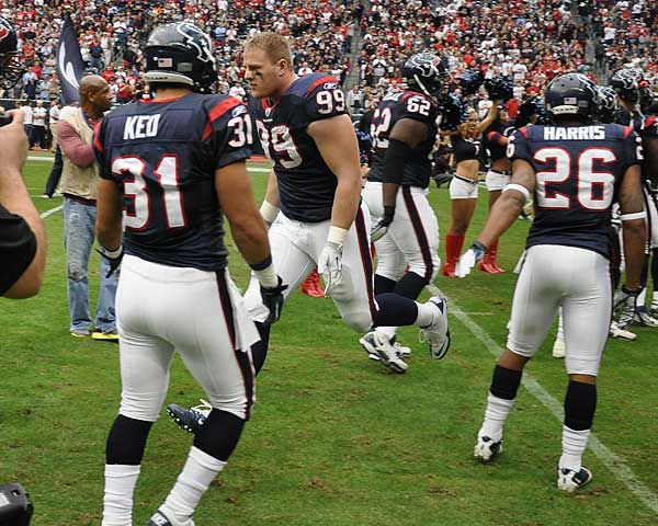 Texans fans and players prior to Sunday&#39;s showdown against the Tennessee Titans <span class=meta>(Photo&#47;ABC-13)</span>