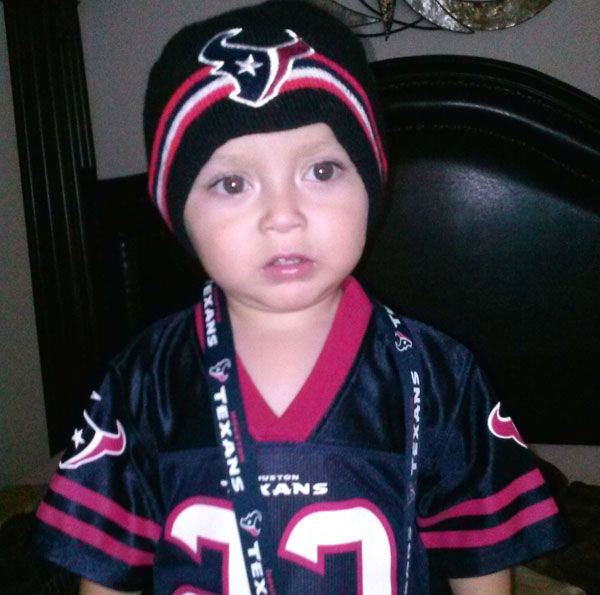 "<div class=""meta ""><span class=""caption-text "">These are Texans fan photos you've been sending us.  You can send your photos to be added at news@abc13.com  (Photo/iWitness Reports)</span></div>"