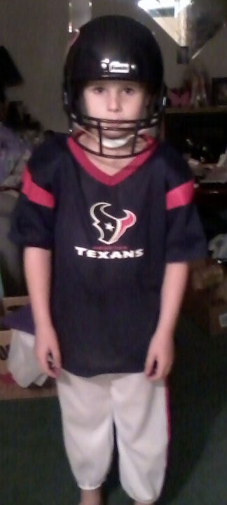 "<div class=""meta image-caption""><div class=""origin-logo origin-image ""><span></span></div><span class=""caption-text"">Who's ready for some football? These Texans fans are! They are just some of the photos emailed in to us through our iWitness Reports. Here are more! Send your fan photos to news@abc13.com</span></div>"