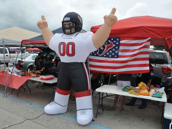 These are photos from inside and outside Reliant Stadium for the Saints&#47;Texans preseason game on Sunday, August 25, 2013.  Send your fan pics to us at news@abc13.com <span class=meta>(Photo&#47;ABC13)</span>