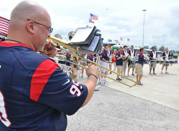 "<div class=""meta ""><span class=""caption-text "">These are photos from inside and outside Reliant Stadium for the Saints/Texans preseason game on Sunday, August 25, 2013.  Send your fan pics to us at news@abc13.com (Photo/ABC13)</span></div>"