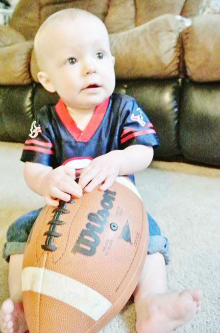 "<div class=""meta ""><span class=""caption-text "">Who's ready for some football? These Texans fans are! They are just some of the photos emailed in to us through our iWitness Reports. Here are more! Send your fan photos to news@abc13.com (Photo/iWitness reports)</span></div>"