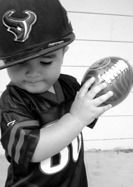 "<div class=""meta ""><span class=""caption-text "">Who's ready for some football? These Texans fans are! They are just some of the photos emailed in to us through our iWitness Reports. Here are more! Send your fan photos to news@abc13.com (Photo/Picasa)</span></div>"
