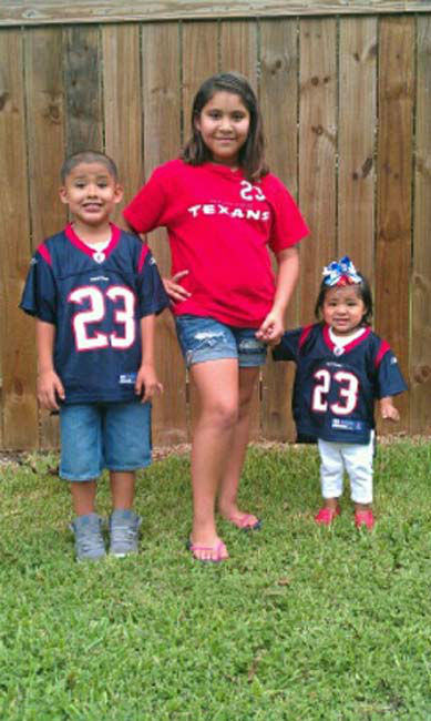 Who&#39;s ready for some football? These Texans fans are! They are just some of the photos emailed in to us through our iWitness Reports. Here are more! Send your fan photos to news@abc13.com  <span class=meta>(Photo&#47;iWitness reports)</span>