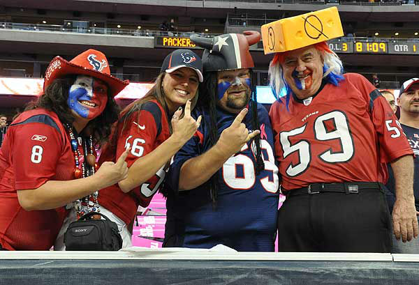 These are photos from inside and outside Reliant Stadium Sunday night for the showdown between the Packers and Texans on Sunday, October 14, 2012 <span class=meta>(Photo&#47;ABC-13)</span>