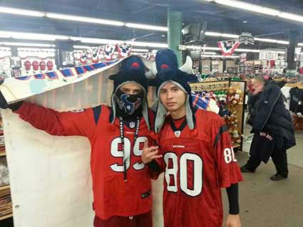 "<div class=""meta ""><span class=""caption-text "">Check out these photos of Texans fans who've invaded New England for the showdown with the Patriots. Send your fan photos to us at news@abc13.com and we'll post them here. (Photo/iWitness reports)</span></div>"