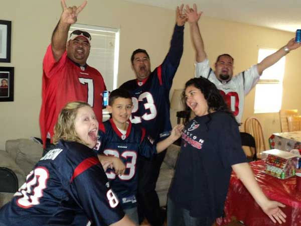 "<div class=""meta image-caption""><div class=""origin-logo origin-image ""><span></span></div><span class=""caption-text"">These are photos sent in you Texans fans.  If you have a fan photo, send it to us at news@abc13.com or upload it on our iWitness Reports page. (Photo/iWitness Reports)</span></div>"