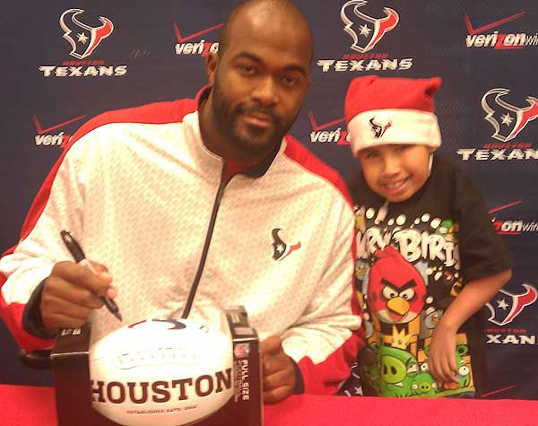 "<div class=""meta image-caption""><div class=""origin-logo origin-image ""><span></span></div><span class=""caption-text"">These are photos sent in by Texans fans. If you have a fan photo, send it to us at news@abc13.com or upload it on our iWitness Reports page.  (Photo/iWitness Reports)</span></div>"