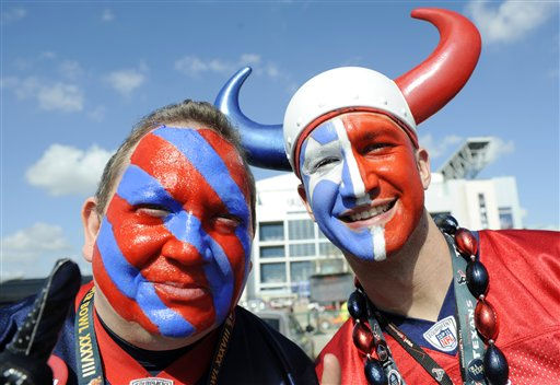 Houston Texans fans Dan Isaacks, left, and Ryan Dove pose for a photo before an NFL wild card playoff football game against the Cincinnati Bengals Saturday, Jan. 7, 2012, in Houston. &#40;AP Photo&#47;Dave Einsel&#41; <span class=meta>(AP Photo&#47; Dave Einsel)</span>