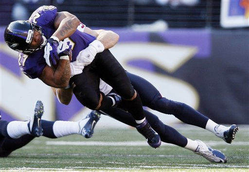 Baltimore Ravens running back Ray Rice is stopped by Houston Texans outside linebacker Connor Barwin during the first half of an NFL divisional playoff football game in Baltimore, Sunday, Jan. 15, 2012. &#40;AP Photo&#47;Patrick Semansky&#41; <span class=meta>(AP Photo&#47; Patrick Semansky)</span>