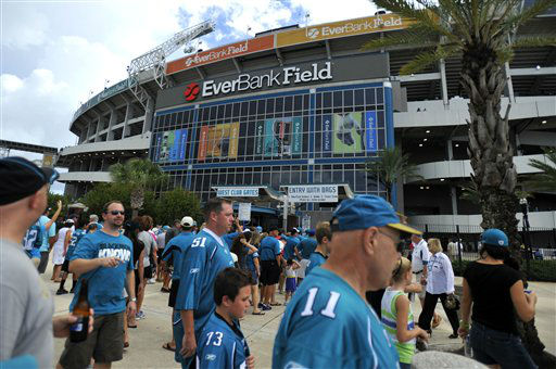 Jacksonville Jaguars fans line up outside a gate at EverBank Field before an NFL preseason football game against the Houston Texans, Sunday, Sept. 16, 2012, in Jacksonville, Fla. &#40;AP Photo&#47;Stephen Morton&#41; <span class=meta>(AP Photo&#47; STEPHEN MORTON)</span>