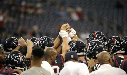 "<div class=""meta ""><span class=""caption-text "">Houston Texans players come together before an NFL football gameagainst the Indianapolis Colts Sunday, Dec. 16, 2012, in Houston. (AP Photo/Dave Einsel) (AP Photo/ Dave Einsel)</span></div>"