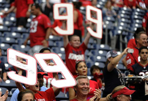 Houston Texans fans show their support before an NFL football game against the Baltimore Ravens Sunday, Oct. 21, 2012, in Houston. &#40;AP Photo&#47;Dave Einsel&#41; <span class=meta>(AP Photo&#47; Dave Einsel)</span>