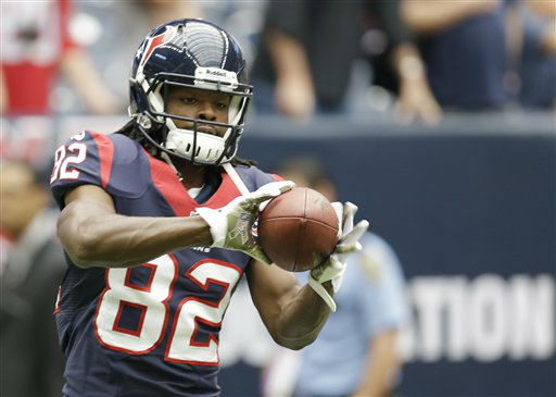 "<div class=""meta ""><span class=""caption-text "">Houston Texans wide receiver Keshawn Martin warms up before an NFL football game  against the Buffalo Bills Sunday, Nov. 4, 2012, in Houston. (AP Photo/Eric Gay) (AP Photo/ Eric Gay)</span></div>"