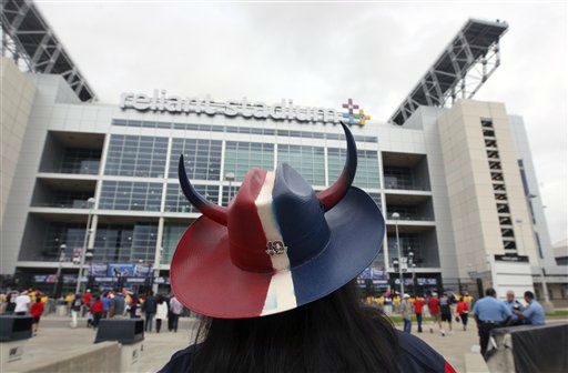 "<div class=""meta image-caption""><div class=""origin-logo origin-image ""><span></span></div><span class=""caption-text"">Houston Texans fans arrive at Reliant Stadium for an NFL football game between the Minnesota Vikings and Houston Texans Sunday, Dec. 23, 2012, in Houston. (AP Photo/Patric Schneider) (AP Photo/ Patric Schneider)</span></div>"