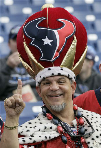 "<div class=""meta image-caption""><div class=""origin-logo origin-image ""><span></span></div><span class=""caption-text"">A Houston Texans fan poses for a photo before an NFL football game between the Tennessee Titans and the Houston Texans on Sunday, Dec. 2, 2012, in Nashville, Tenn. (AP Photo/Wade Payne) (AP Photo/ Wade Payne)</span></div>"