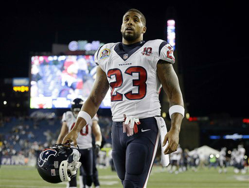 Houston Texans running back Arian Foster warms up before an NFL football game between the New England Patriots and the Texans in Foxborough, Mass., Monday, Dec. 10, 2012. &#40;AP Photo&#47;Elise Amendola&#41; <span class=meta>(AP Photo&#47; Elise Amendola)</span>
