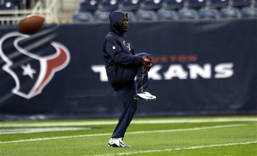 "<div class=""meta ""><span class=""caption-text "">Houston Texans' Justin Forsett warms up before an NFL football game against the Indianapolis Colts Sunday, Dec. 16, 2012, in Houston. (AP Photo/David J. Phillip) (AP Photo/ David J. Phillip)</span></div>"