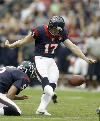 Houston Texans placekicker Shayne Graham &#40;17&#41; boots a 51-yard field goal during the first quarter of an NFL football game against the Minnesota Vikings, Sunday, Dec. 23, 2012, in Houston. &#40;AP Photo&#47;Patric Schneider&#41; <span class=meta>(AP Photo&#47; Patric Schneider)</span>