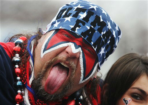 "<div class=""meta ""><span class=""caption-text "">A Houston Texans' fan makes faces before an NFL wild card playoff football game against the Cincinnati Bengals Saturday, Jan. 5, 2013, in Houston. (AP Photo/Patric Schneider)</span></div>"