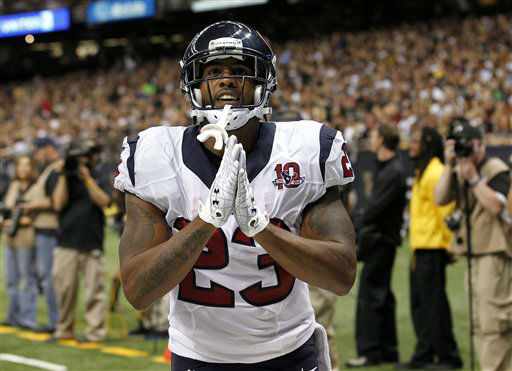 "<div class=""meta image-caption""><div class=""origin-logo origin-image ""><span></span></div><span class=""caption-text"">Houston Texans running back Arian Foster (23) celebrates a rushing touchdown in the first half of an NFL preseason football game against the New Orleans Saints in New Orleans, Saturday, Aug. 25, 2012. (AP Photo/Bill Haber) (AP Photo/ Bill Haber)</span></div>"