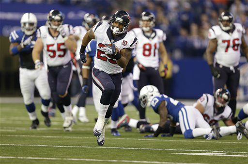 Houston Texans&#39; Arian Foster &#40;23&#41; runs during the second half of an NFL football game against the Indianapolis Colts Sunday, Dec. 30, 2012, in Indianapolis. &#40;AP Photo&#47;Michael Conroy&#41; <span class=meta>(AP Photo&#47; Michael Conroy)</span>