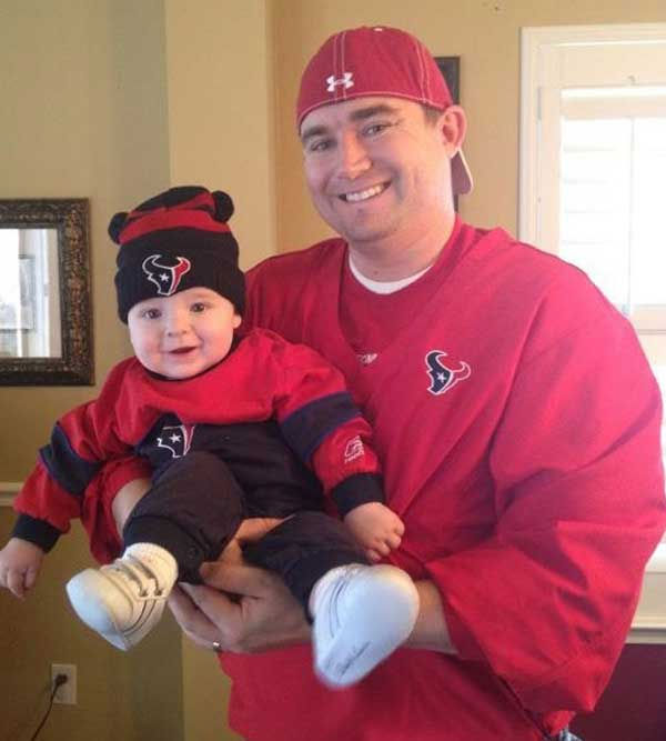 "<div class=""meta image-caption""><div class=""origin-logo origin-image ""><span></span></div><span class=""caption-text"">These are photos sent in by Texans fans. If you have a fan photo, send it to us at news@abc13.com or upload it on our iWitness Reports page.</span></div>"