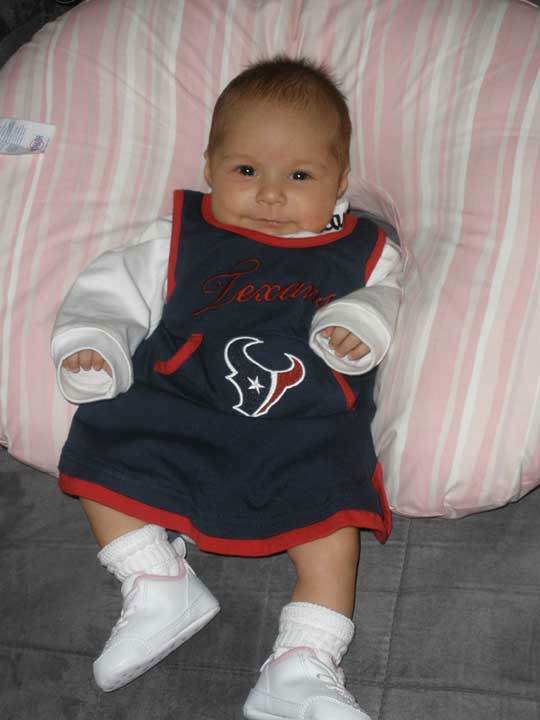 "<div class=""meta ""><span class=""caption-text "">These are photos sent in by Texans fans. If you have a fan photo, send it to us at news@abc13.com or upload it on our iWitness Reports page.</span></div>"