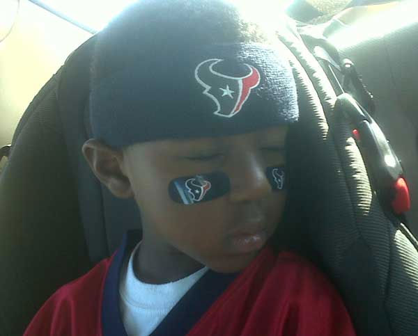 "<div class=""meta image-caption""><div class=""origin-logo origin-image ""><span></span></div><span class=""caption-text"">These are photos sent in by Texans fans. If you have a fan photo, send it to us at news@abc13.com or upload it on our iWitness Reports page. </span></div>"