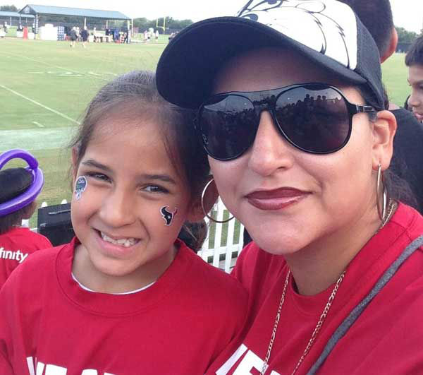 "<div class=""meta ""><span class=""caption-text "">These are viewer photos from Texans training camp. You can send your photos to us at news@abc13.com (Photo/iWitness reports)</span></div>"