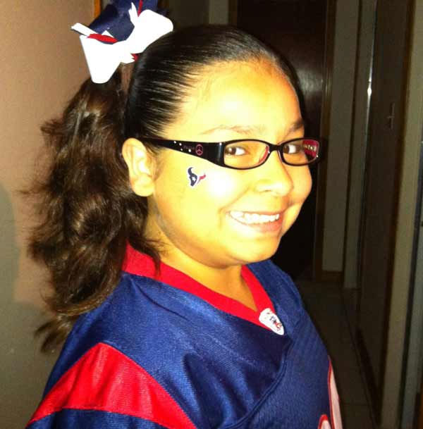 "<div class=""meta image-caption""><div class=""origin-logo origin-image ""><span></span></div><span class=""caption-text"">Who's ready for some football?  These Texans fans are!  They are just some of the photos emailed in to us through our iWitness Reports.  Here are more!  Send your fan photos to news@abc13.com. (Photo/iWitness Reports)</span></div>"