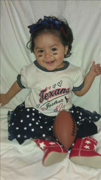 "<div class=""meta image-caption""><div class=""origin-logo origin-image ""><span></span></div><span class=""caption-text"">Who's ready for some football? These Texans fans are! They are just some of the photos emailed in to us through our iWitness Reports. Send your fan photos to news@abc13.com. (iWitness Reports)</span></div>"