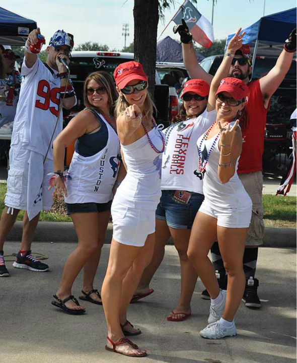 "<div class=""meta ""><span class=""caption-text "">These are photos of fans at Reliant Stadium before the season opener against Miami on Sunday, August 9, 2012.  If you have photos, eamil them to us at news@abc13.com (Photo/ABC13)</span></div>"