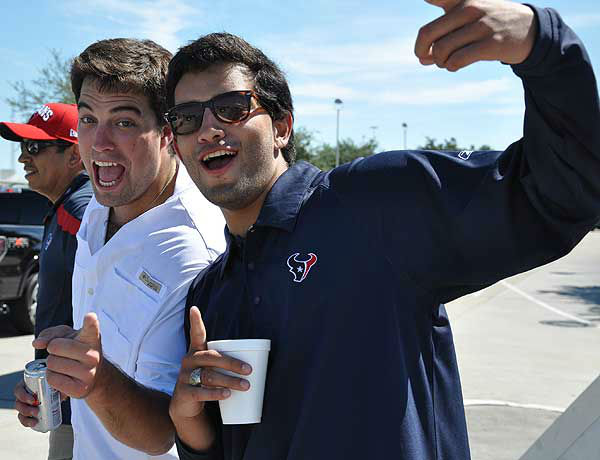 "<div class=""meta image-caption""><div class=""origin-logo origin-image ""><span></span></div><span class=""caption-text"">These are photos of fans at Reliant Stadium before the season opener against Miami on Sunday, August 9, 2012.  If you have photos, eamil them to us at news@abc13.com (Photo/ABC13)</span></div>"