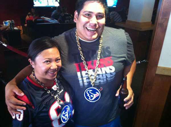These are photos reporter Samica took of Texans fans in San Diego getting ready for the Monday night opener against the Chargers. Are you or anyone you know out there for the game? Send photos of Texans fans in San Diego to news@abc13.com and we&#39;ll add &#39;em! GO TEXANS!  <span class=meta>(KTRK Photo&#47; Samica Knight)</span>