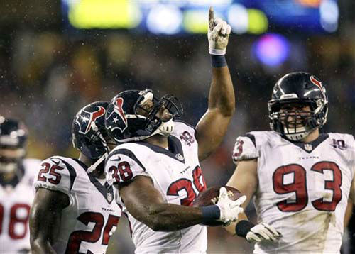 Houston Texans free safety Danieal Manning &#40;38&#41; celebrates after intercepting a pass against the Chicago Bears in the first half an NFL football game in Chicago, Sunday, Nov. 11, 2012. &#40;AP Photo&#47;Nam Y. Huh&#41; <span class=meta>(Photo&#47;Nam Y. Huh)</span>