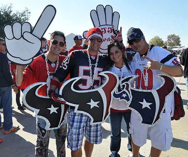 "<div class=""meta image-caption""><div class=""origin-logo origin-image ""><span></span></div><span class=""caption-text"">We had our camera inside and outside Reliant Stadium Sunday, November 18, before the Jags-Texans game.  If you have fan photos, email them to us at news@abc13.com (Photo/ABC13)</span></div>"