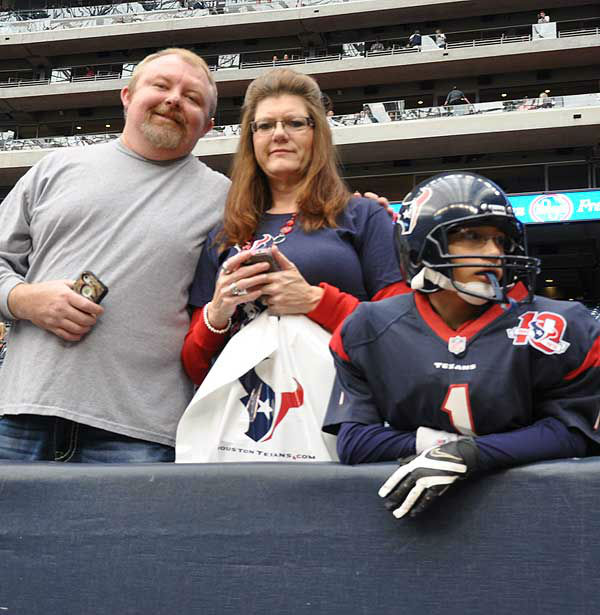 "<div class=""meta ""><span class=""caption-text "">We had our camera inside and outside Reliant Stadium Sunday, November 18, before the Jags-Texans game.  If you have fan photos, email them to us at news@abc13.com (Photo/ABC13)</span></div>"