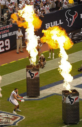 Houston Texans&#39; Connor Barwin is introduced before an NFL football game against the Miami Dolphins, Sunday, Sept. 9, 2012, in Houston. &#40;AP Photo&#47;Dave Einsel&#41; <span class=meta>(AP Photo&#47; Dave Einsel)</span>