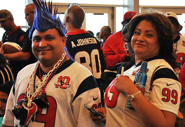 "<div class=""meta image-caption""><div class=""origin-logo origin-image ""><span></span></div><span class=""caption-text"">These are photos from the Houston Texans draft party, which took place Thursday, April 25, 2013, at Reliant Stadium.  Fans, cheerleaders and past and present Houston football stars were there to celebrate the Texans first round pick. (Photo/ABC13)</span></div>"