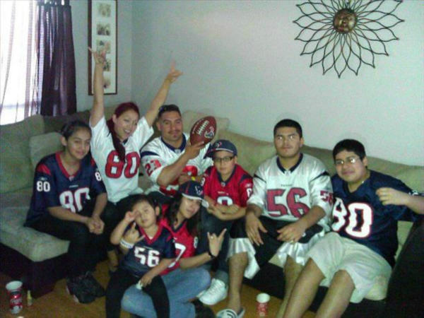 "<div class=""meta ""><span class=""caption-text "">Who's ready for some football? These Texans fans are! They are just some of the photos emailed in to us through our iWitness Reports. Send your fan photos to news@abc13.com. (Photo/iWitness Reports)</span></div>"