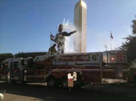 "<div class=""meta image-caption""><div class=""origin-logo origin-image ""><span></span></div><span class=""caption-text"">These are photos we've received of Big Tex as it burned at the Texas State Fair today. If you have photos, email them to us at news@abc13.com. (Photo/iWitness reports)</span></div>"