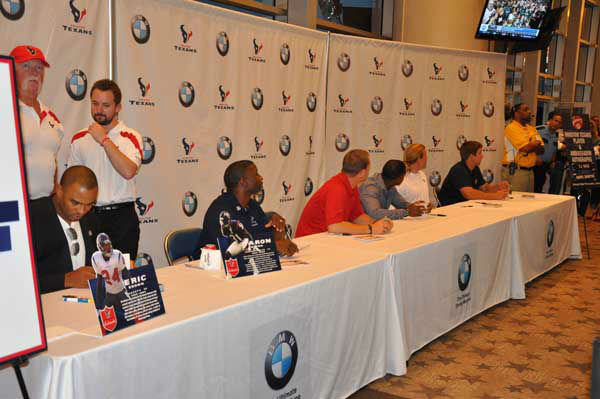 Images from the 2012 Houston Texans Draft Party on Thursday at Reliant Stadium <span class=meta>(KTRK Photo)</span>